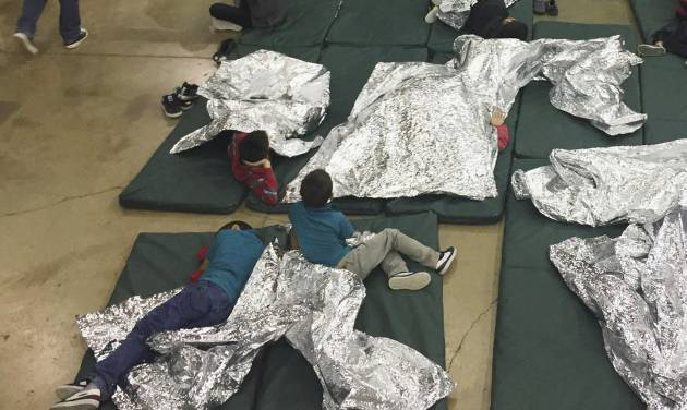 House immigration plan would allow families to be detained together