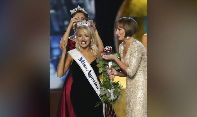 Savvy Shields, of Arkansas, crowned Miss America