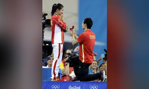 Chinese diver wins Olympic silver -- then gets podium proposal