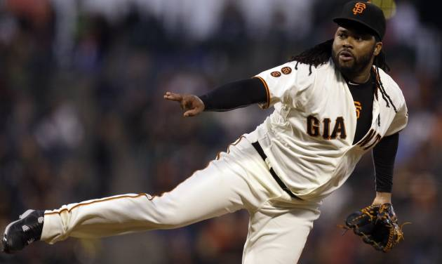Cardinals score 2 in 9th, top Giants in playoff chase