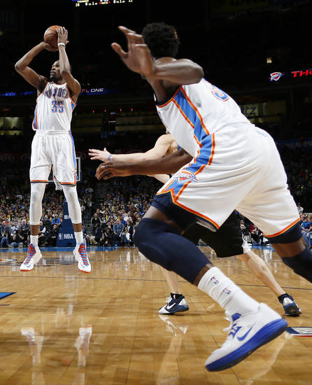 Oklahoma City's Kevin Durant (35) shoots the ball during an NBA basketball game between the Oklahoma City Thunder and Minnesota Timberwolves at Chesapeake Energy Arena in Oklahoma City, Friday, Feb. 22, 2013. Photo by Nate Billings, The Oklahoman