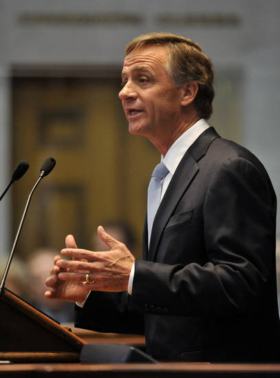 Gov. Bill Haslam delivers his State of the State address to a joint session of the General Assembly on Monday, Jan. 28, 2013, in Nashville, Tenn. (AP Photo/Donn Jones)
