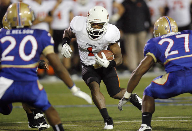 OSU's Joseph Randle (1) carries the ball in the second quarter during a college football game between the Oklahoma State University Cowboys (OSU) and the University of Tulsa Golden Hurricane (TU) at H.A. Chapman Stadium in Tulsa, Okla., Sunday morning, Sept. 18, 2011. Photo by Nate Billings, The Oklahoman  ORG XMIT: KOD