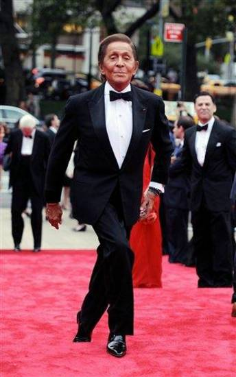Fashion designer Valentino Garavani  arrives at the New York City Ballet Fall Gala at Lincoln Center on Thursday, Sept. 20, 2012 in New York. For this one night only Valentino will create costumes for three ballets. (Photo by Evan Agostini/Invision/AP Images)