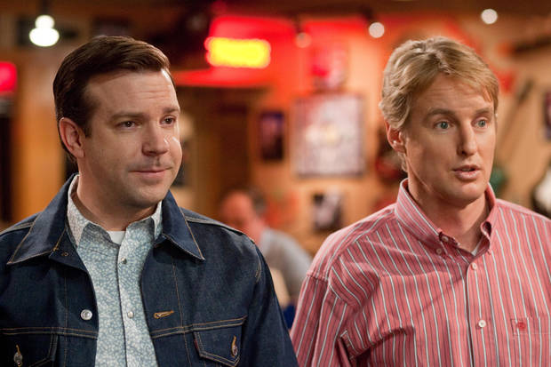 "(L-r) JASON SUDEIKIS as Fred and OWEN WILSON as Rick in New Line Cinema's comedy ""HALL PASS,"" a Warner Bros. Pictures release. PHOTOGRAPHS TO BE USED SOLELY FOR ADVERTISING, PROMOTION, PUBLICITY OR REVIEWS OF THIS SPECIFIC MOTION PICTURE AND TO REMAIN THE PROPERTY OF THE STUDIO. NOT FOR SALE OR REDISTRIBUTION"