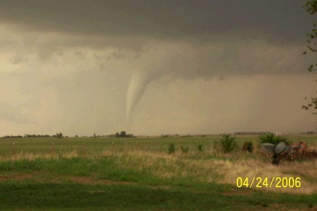 Tornado SW of El Reno<br/><b>Community Photo By:</b> Macy Robinson<br/><b>Submitted By:</b> Macy, El Reno