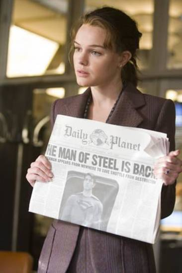 "Kate Bosworth as Lois Lane in ""Superman Returns."""