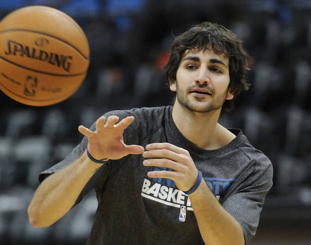 Minnesota Timberwolves' Ricky Rubio, of Spain, works out before an NBA basketball game against the Milwaukee Bucks, Friday, Nov. 30, 2012, in Minneapolis. Rubio, who suffered a torn ACL in a March 9 game, has been cleared to practice. (AP Photo/Jim Mone)