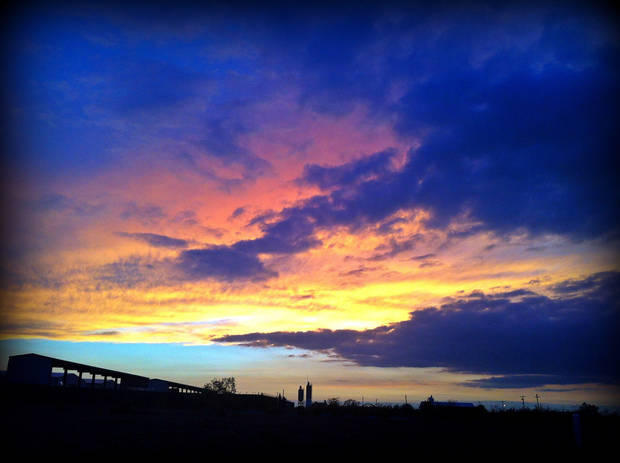 You just don\'t see skies like this anywhere else... #oklahomasunsets