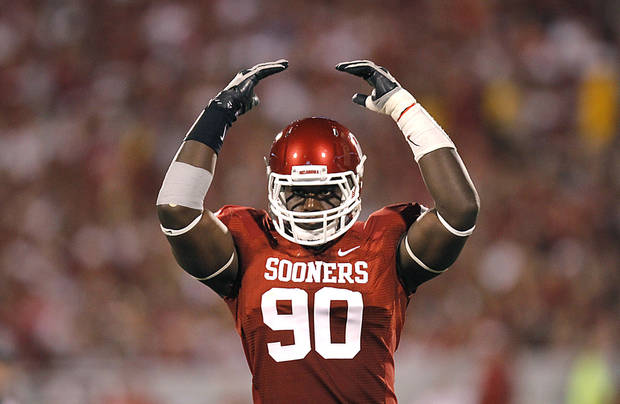 OU senior defensive end David King sat out Saturday's team scrimmage with a neck strain, a source said. PHOTO BY CHRIS LANDSBERGER, THE OKLAHOMAN