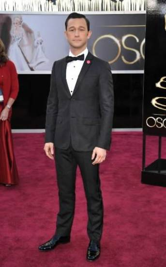 Joseph Gordon-Levitt arrives at the Oscars. (AP)