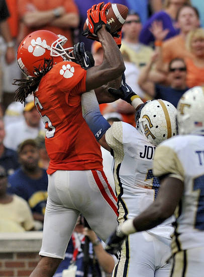 Clemson wide receiver DeAndre Hopkins pulls in a fourth-quarter touchdown reception during an NCAA college football game against Georgia Tech on Saturday, Oct. 6, 2012, at Memorial Stadium in Clemson, S.C. Clemson won 47-31. (AP Photo/ Richard Shiro)