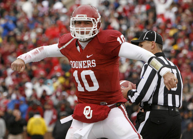 Oklahoma's Blake Bell (10) reacts after scoring a touchdown during a college football game between the University of Oklahoma Sooners (OU) and the Iowa State University Cyclones (ISU) at Gaylord Family-Oklahoma Memorial Stadium in Norman, Okla., Saturday, Nov. 26, 2011. Photo by Bryan Terry, The Oklahoman