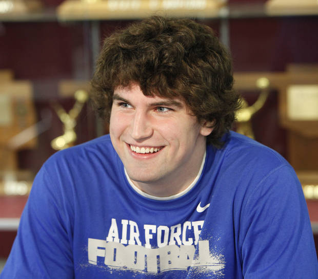 Edmond Memorial football player Ry Huff signing with Air Force, Wednesday, February 1, 2012.Photo by David McDaniel, The Oklahoman