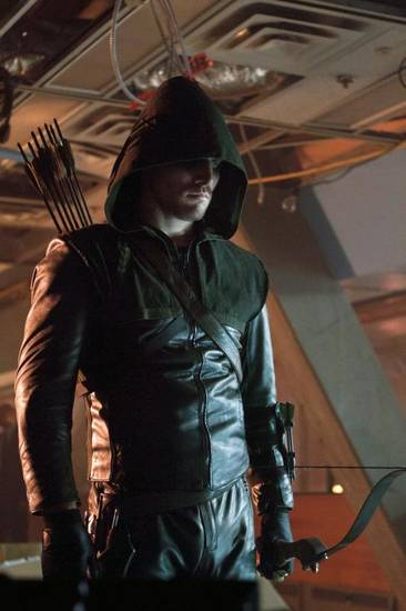 "Arrow �¢â�¬"" �¢â�¬��Lone Gunman�¢â�¬�� -- Image AR103b_0885b. Pictured: Stephen Amell as Arrow -- Photo: Michael Courtney/The CW -- ©2012 The CW Network. All Rights Reserved."