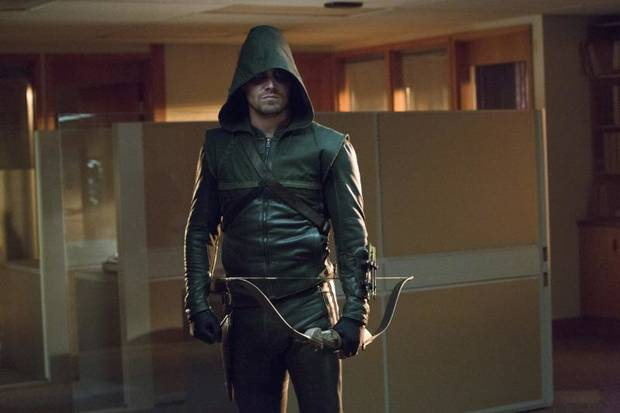 "Arrow -- ""Legacies"" -- Image AR106a_3364b -- Pictured: Stephen Amell as Arrow -- Photo: Jack Rowand/The CW -- ©2012 The CW Network. All Rights Reserved"