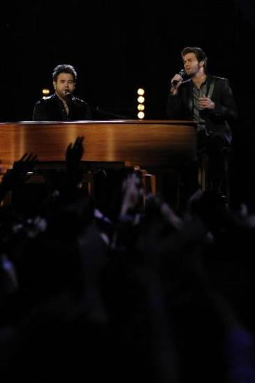 "The Swon Brothers play ""Danny's Song"" last week on ""The Voice."""