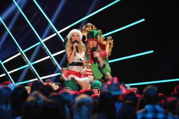 Kristin appears as Santa and Trace as an elf during the ACAs finale.