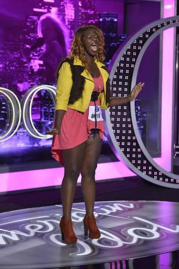 "Contestant Zoanette Johnson on ""American Idol"" (Photo by Michael Becker / FOX)"