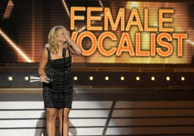 Miranda emotionally accepts the female vocalist honor.