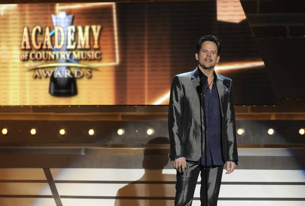 Musician Gary Allan speaks on stage at the 48th Annual Academy of Country Music Awards at the MGM Grand Garden Arena in Las Vegas on Sunday, April 7, 2013. (Photo by Chris Pizzello/Invision/AP) ORG XMIT: NVPM222