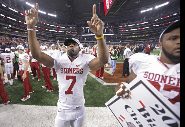 Oklahoma's DeMarco Murray (7) salutes the fans after the Sooners' 23-20 win over Nebraska during the Big 12 football championship game between the University of Oklahoma Sooners (OU) and the University of Nebraska Cornhuskers (NU) at Cowboys Stadium on Saturday, Dec. 4, 2010, in Arlington, Texas.  Photo by Chris Landsberger, The Oklahoman