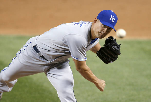 Kansas City Royals starting pitcher Jeremy Guthrie delivers during the first inning of a baseball game against the Chicago White Sox on Thursday, Sept. 26, 2013, in Chicago. (AP Photo/Charles Rex Arbogast)