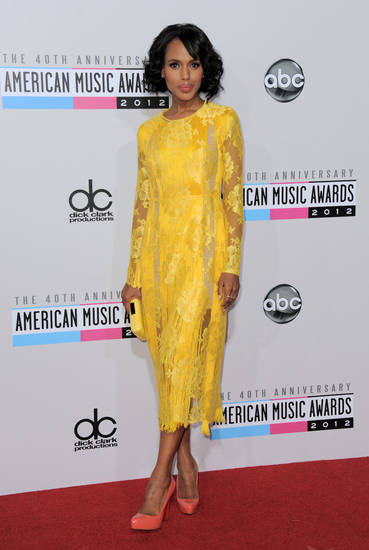 "Kerry Washington, from the ABC series ""Scandal,"" arrives at the 40th Anniversary American Music Awards on Sunday, Nov. 18, 2012, in Los Angeles. (Photo by Jordan Strauss/Invision/AP)"