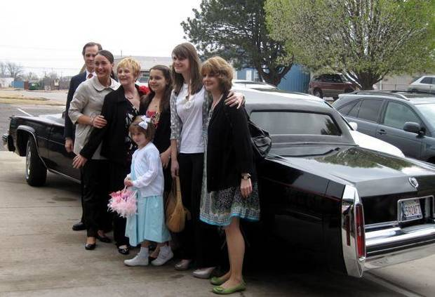 HAPPY BIRTHDAY GRENDA....Kyle Anderson, Tessa Moss, Grenda Moss, Olivia Laskowski, Whitney Moss, Jody Laskowski, back;  Elizabeth Moss, front, arrive by limo to Charlie Newton's for Grenda's surprise 60th birthday party. (Photo by Helen Ford Wallace).