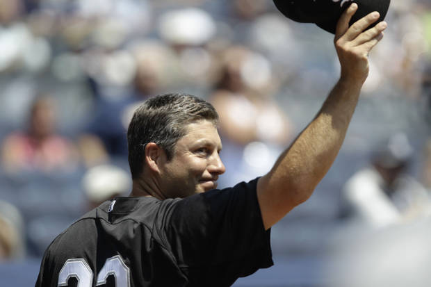 Chicago White Sox manager Robin Ventura, a former New York Yankees infielder, tips his cap as he is introduced  during Yankees Old Timers Day at Yankee Stadium in New York, Sunday, July 1, 2012.  (AP Photo/Kathy Willens) ORG XMIT: NYY110