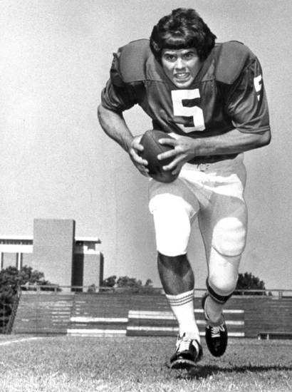 OU FOOTBALL Steve Davis 8-20-73;   Posed action photo of University of Oklahoma quarterback Steve Davis taken by Bob Albright on 8/20/73.   Photo ran in the 9/14/74 Oklahoma City Times (Late Street).  File:  Football/OU/Steve Davis/1973