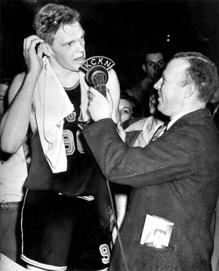 Bob Kurland being interviewed by radio announcer Larry Ray in 1946. OKLAHOMAN ARCHIVE PHOTO <strong>AP  FILE</strong>