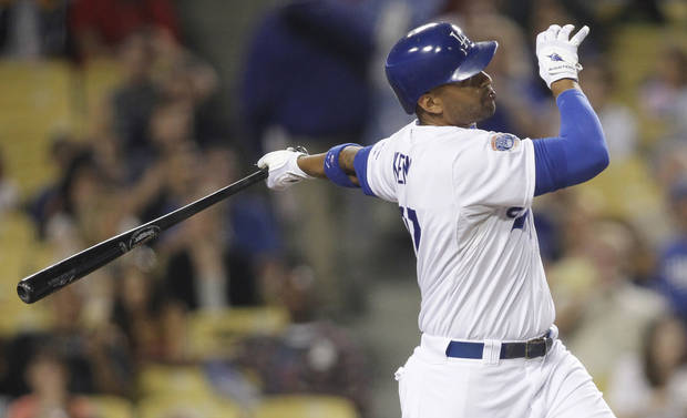MAJOR LEAGUE BASEBALL / L.A. DODGERS: Los Angeles Dodgers' Matt Kemp hits a solo home run against the Cincinnati Reds during the third inning of a baseball game, Saturday, Aug. 21, 2010, in Los Angeles. (AP Photo/Danny Moloshok) ORG XMIT: LAD107