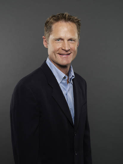TNT game analyst Steve Kerr        ORG XMIT: 1212192223430538