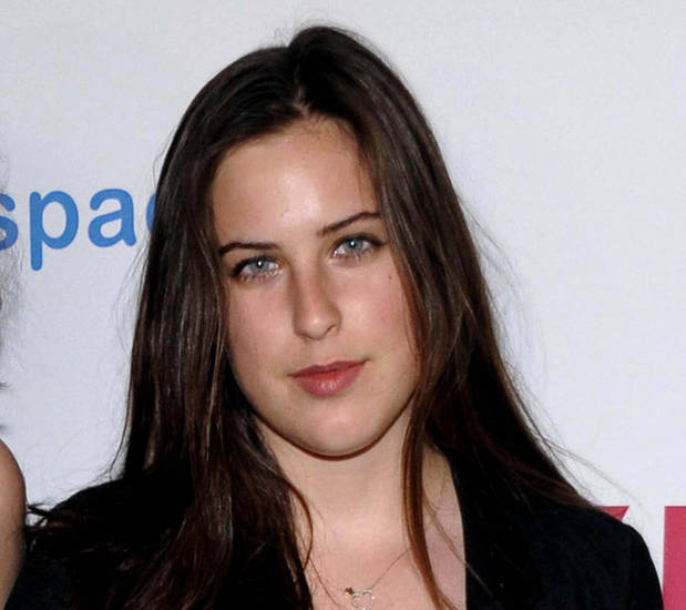 FILE - This May 4, 2009 file photo shows actress Scout Willis, the daughter of actors Demi Moore and Bruce Willis, at the Nylon and MySpace Young Hollywood Issue Party in Los Angeles. Willis, the daughter of Demi Moore and Bruce Willis, is set to do community service to resolve her New York City public-drinking and fake-ID case. A Manhattan judge agreed Tuesday, July 31, 2012, to close Willis' case without jail time or probation if she does two days of service. Willis was arrested last month. Police said she was sipping a beer in Union Square in violation of an open-container law. Police said she also gave them phony identification _ a misdemeanor. (AP Photo/Dan Steinberg, file)