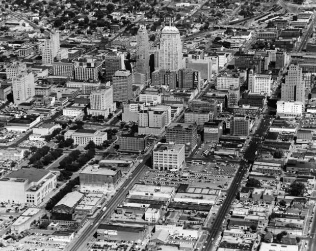 OKLAHOMA CITY / SKY LINE / OKLAHOMA / AERIAL VIEWS / AERIAL PHOTOGRAPHY / AIR VIEWS:  No caption.  Staff photo was taken 10/1958 and unpublished.  Photo arrived in library on 05/24/1972.