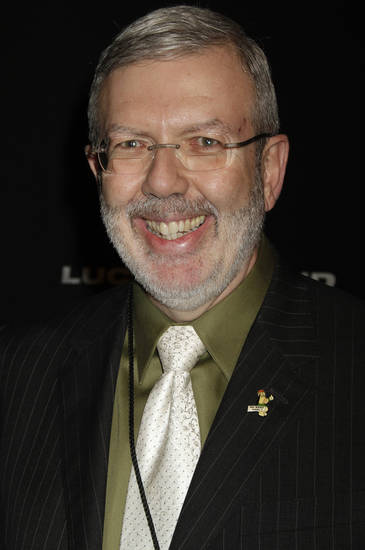 Film critic Leonard Maltin is seen as he arrives at the Santa Barbara International Film Festival in Santa Barbara, Calif., Saturday, Feb. 6, 2010. (AP Photo/Michael A. Mariant) ORG XMIT: CAMM143