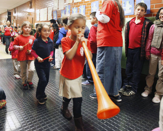 Younger students at Mark Twain Elementary School in Oklahoma City, OK, put on a parade for older students as a way to cheer them on ahead of state testing, Friday, April 5, 2013,  By Paul Hellstern, The Oklahoman