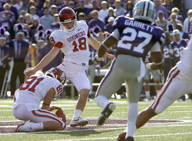 Oklahoma Sooners' Michael Hunnicutt (18) kicks a 53 yard field goal during the college football game between the University of Oklahoma Sooners (OU) and the Kansas State University Wildcats (KSU) at Bill Snyder Family Stadium on Sunday, Oct. 30, 2011. in Manhattan, Kan. Photo by Chris Landsberger, The Oklahoman  ORG XMIT: KOD