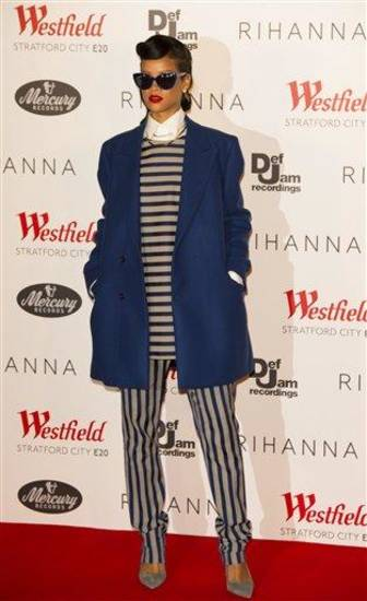 Rihanna seen at Westfield shopping centre, Stratford for the switching on of the Christmas lights  on Monday, Nov.19 , 2012, in London.  (Photo by Ki Price/Invision/AP)