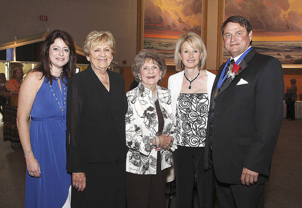 Ilysa Diamond, Jackie Hutchinson, Barbara Boatman, Ruthie and Rusty Riggs. Photo by David Faytinger____