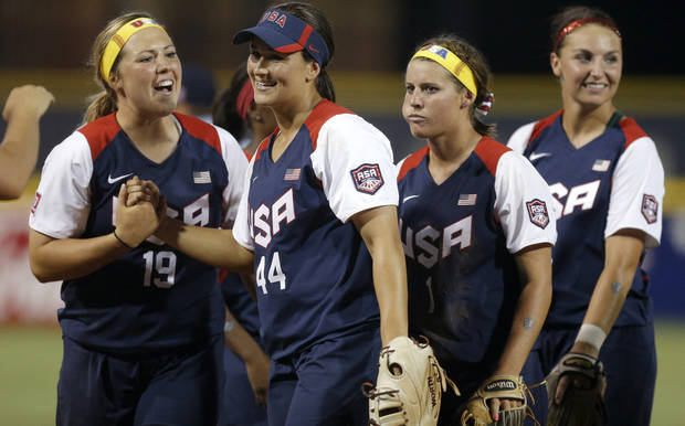 OU junior Lauren Chamberlain, second from left,  will join teammate Destinee Martinez for USA softball tryouts. Photo by Bryan Terry, The Oklahoman