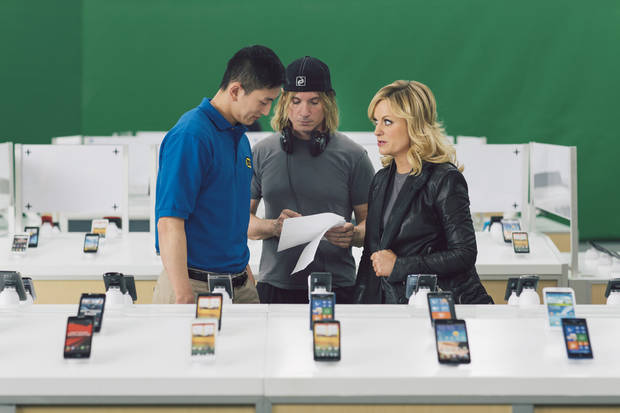 This undated image provided by Best Buy, shows Amy Poehler on the set of the Company's Super Bowl commercial. Best Buy Co. has enlisted actress and comedian Amy Poehler to get its brand message across in a humor-focused spot during the Super Bowl XLVII. (AP Photo/Best Buy)