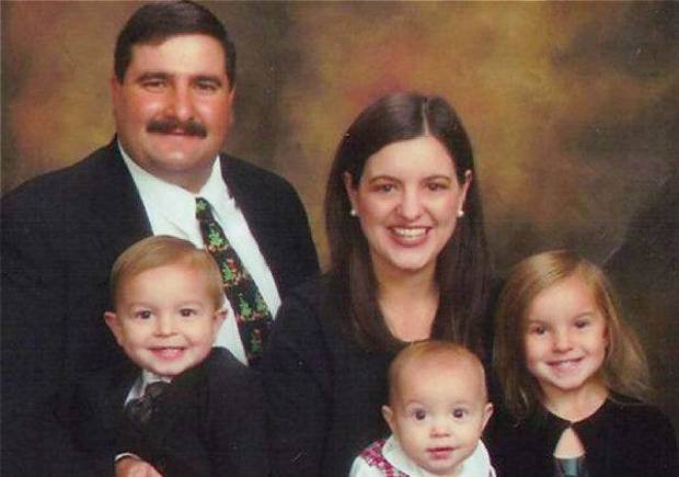 Hank Hamil with his wife Catherine Hamil and their children, from left, Ryan Hamil, 3, Cole Hamil, 15 months, and Cathleen Hamil, 5. Provided ORG XMIT: KOD