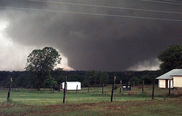 May 3, 1999 Oklahoma City Tornado:  A  tornado on the ground over 1 1/2 miles wide looking west to Amber from state highway 76 and south of SH 130.  Staff Photo by Paul B. Southerland