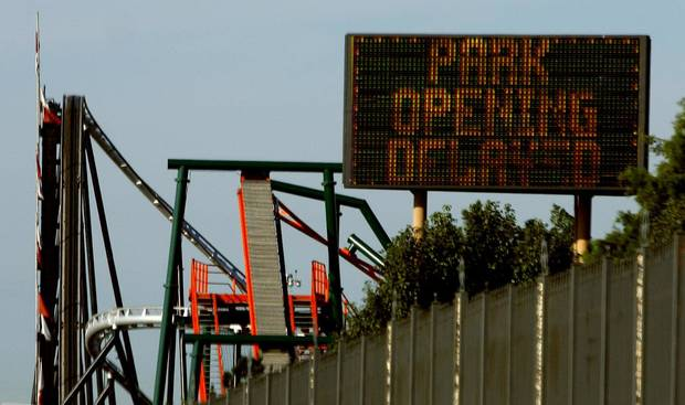 A sign announced a delayed opening at Frontier City off I-35. Oklahoman Photo.