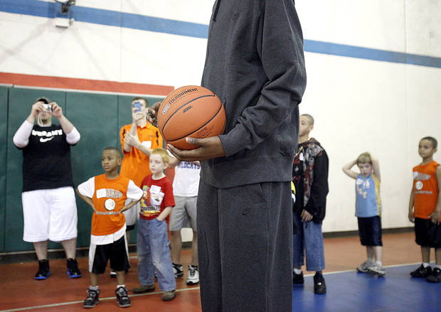 Players watch Kevin Durant during a shooting drill at the Nike Clinic at the Salvation Army Boy and Girls  Club, Saturday, Feb. 7, 2009, in Oklahoma City. PHOTO BY SARAH PHIPPS, THE OKLAHOMAN
