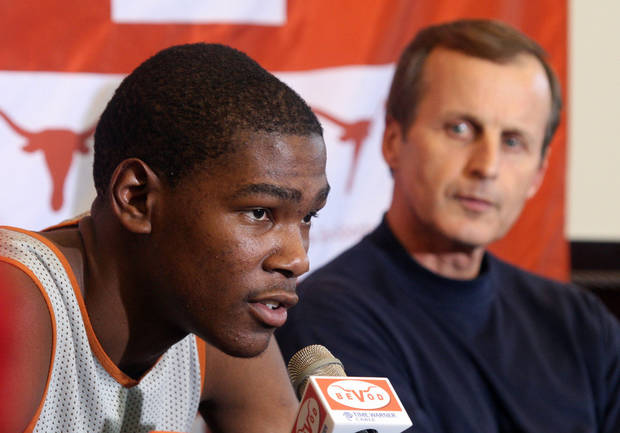 Texas basketball coach Rick Barnes, left, sang the praises of Kevin Durant, his former player, on Thursday. AP ARCHIVE PHOTO <strong>Jack Plunkett</strong>