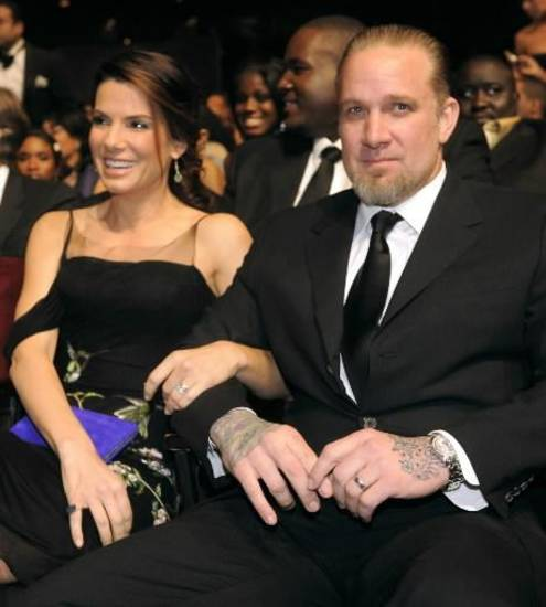 Actress Sandra Bullock and husband Jesse James at the 41st NAACP Image Awards in Los Angeles. (AP Photo/Chris Pizzello)
