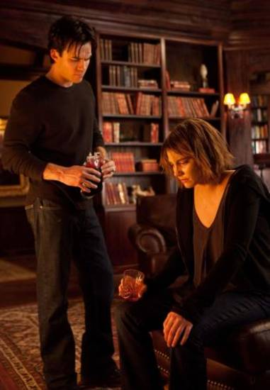 &quot;The Descent&quot; - Ian Somerhalder as Damon, Lauren Cohan as Rose in THE VAMPIRE DIARIES on The CW.